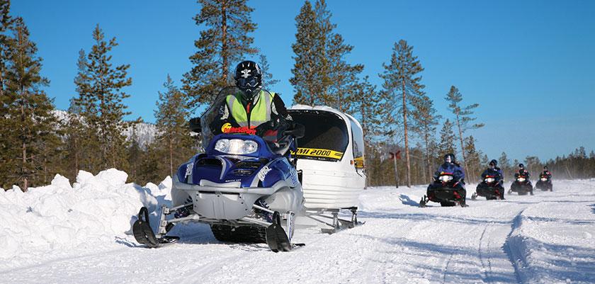 finland_lapland_levi_snowmobiling.jpg